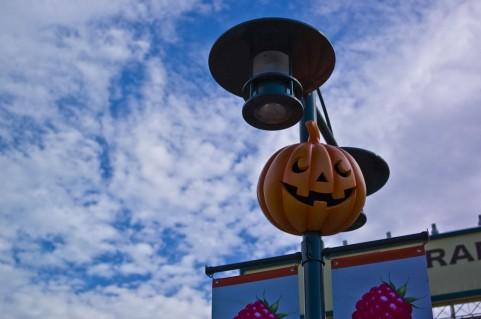ハロウィンとは?起源や由来、なぜ仮装?分かりやすく解説