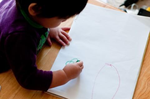 子どもの成長に合わせておもちゃを与えよう!玩具の種類や機能